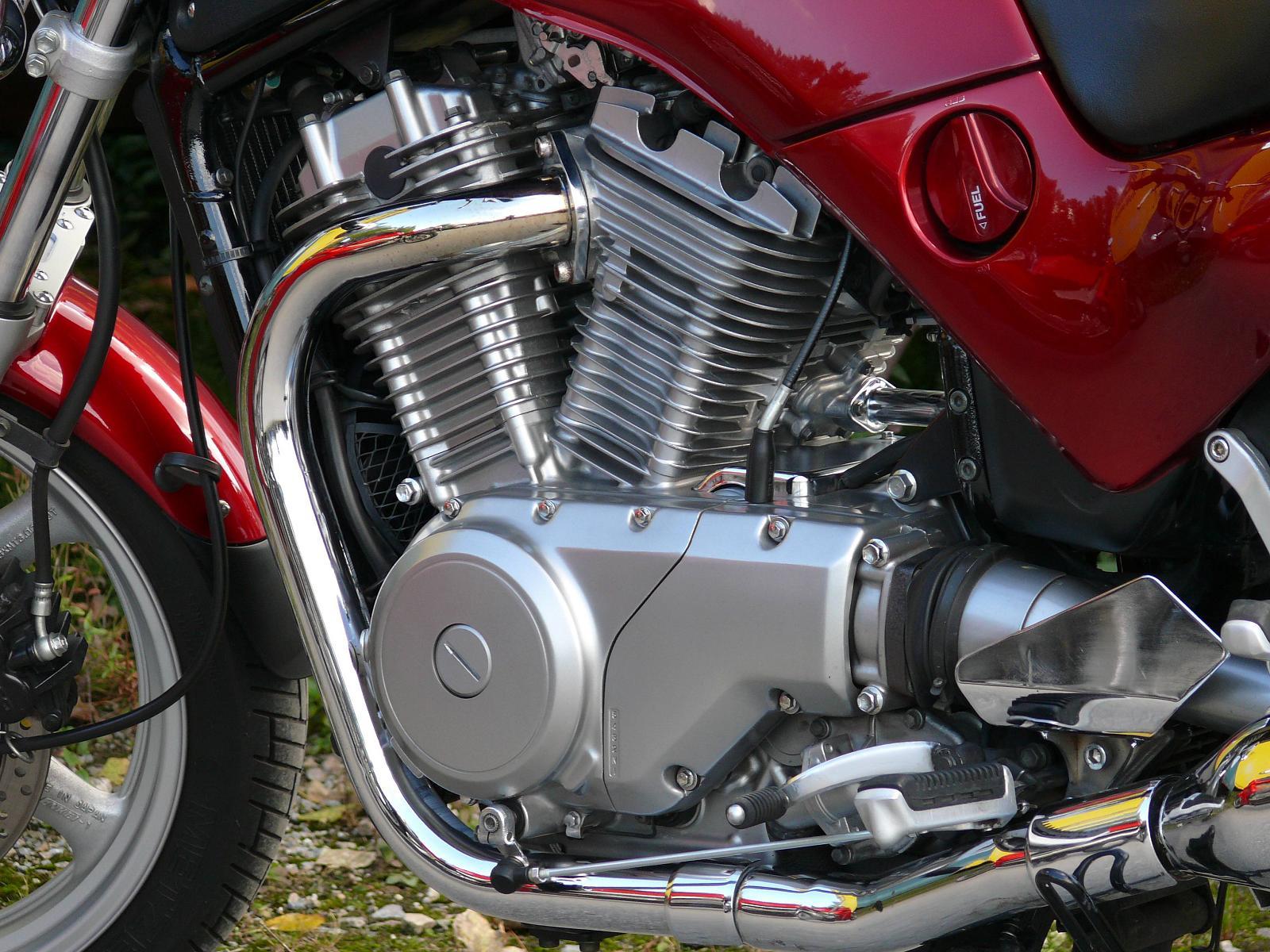 SUZUKI VX 800 engine