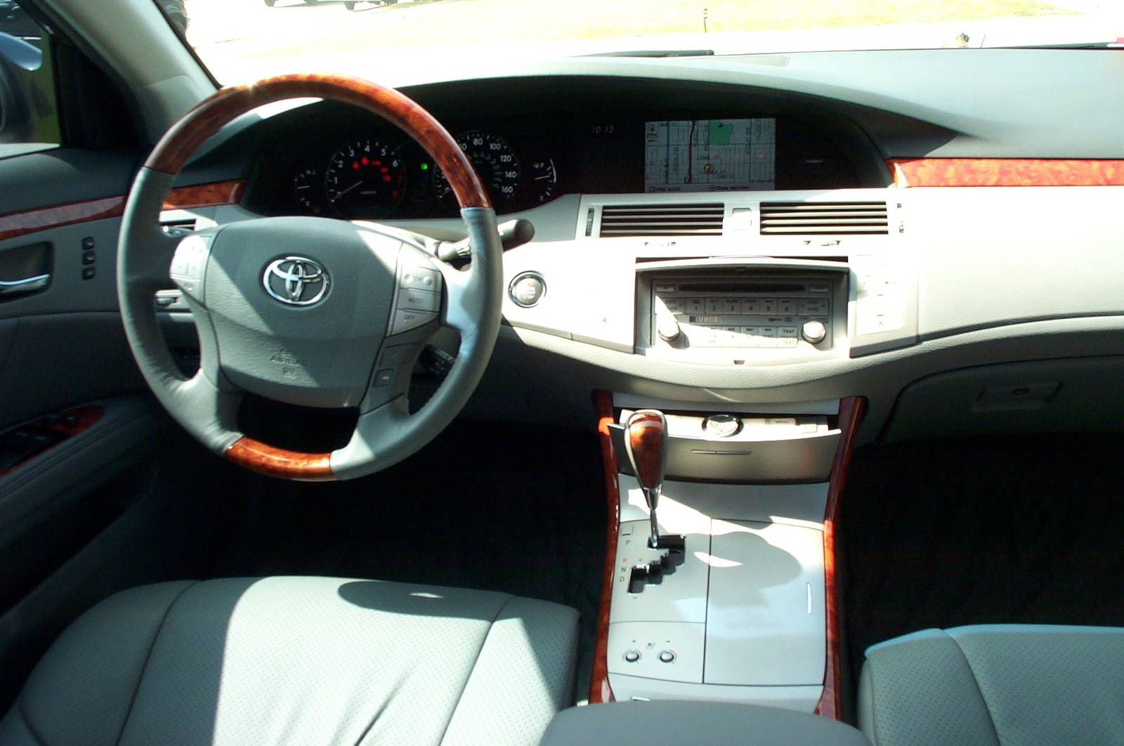 TOYOTA AVALON LIMITED interior