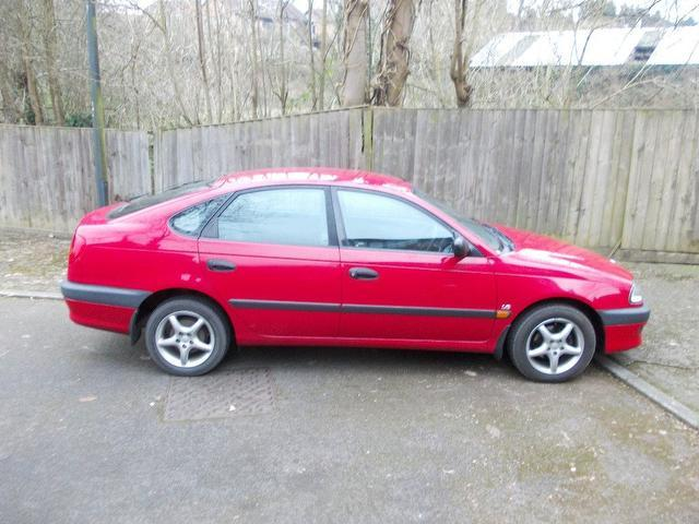 TOYOTA AVENSIS red