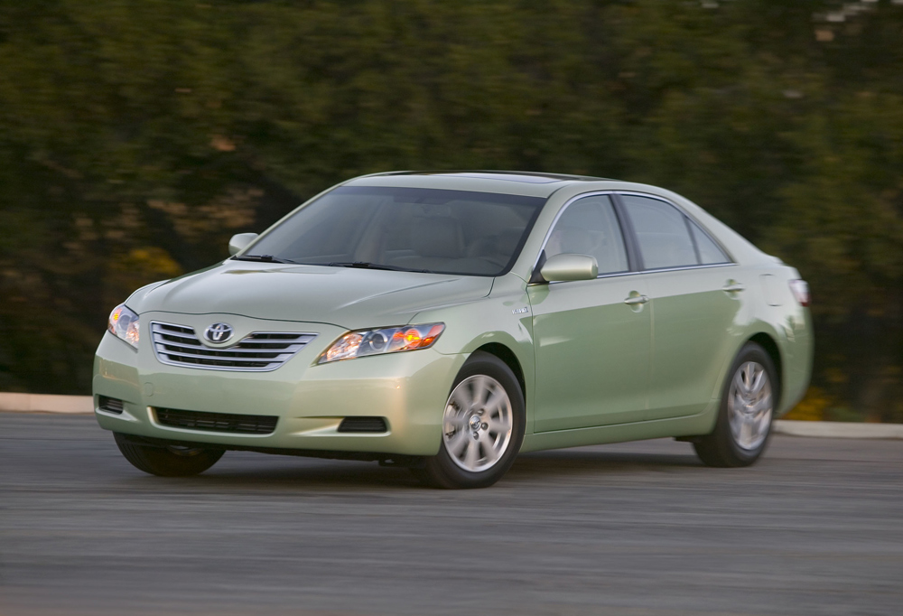 TOYOTA CAMRY green