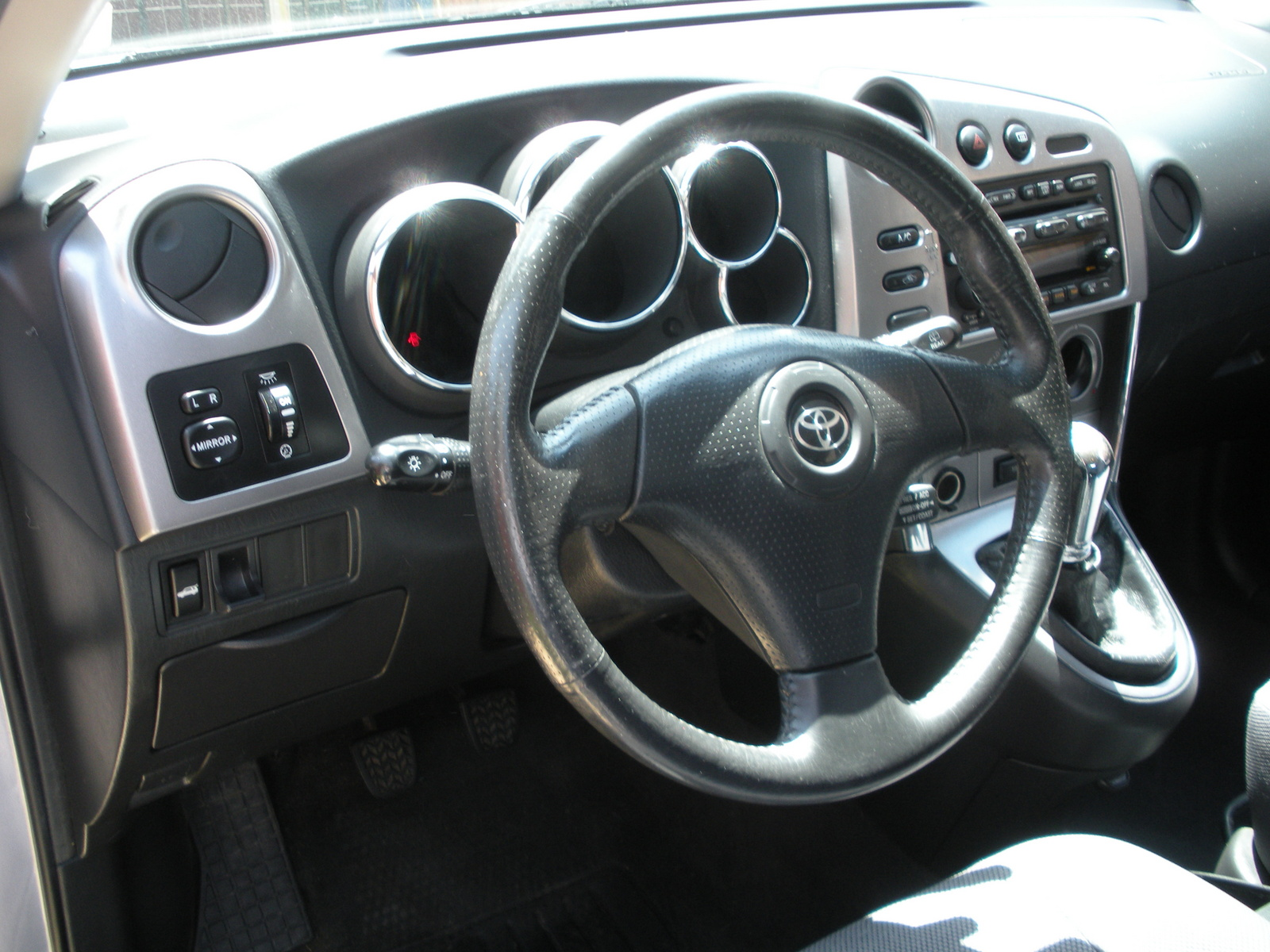 TOYOTA COROLLA MATRIX interior