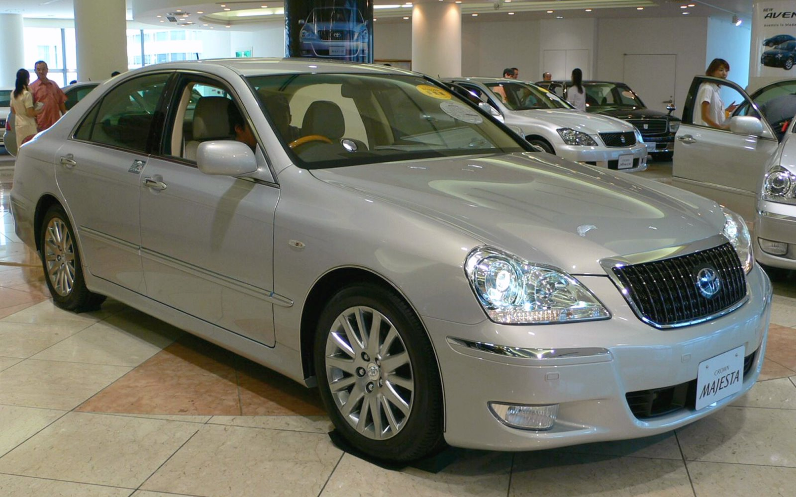 TOYOTA CROWN 2.5 silver