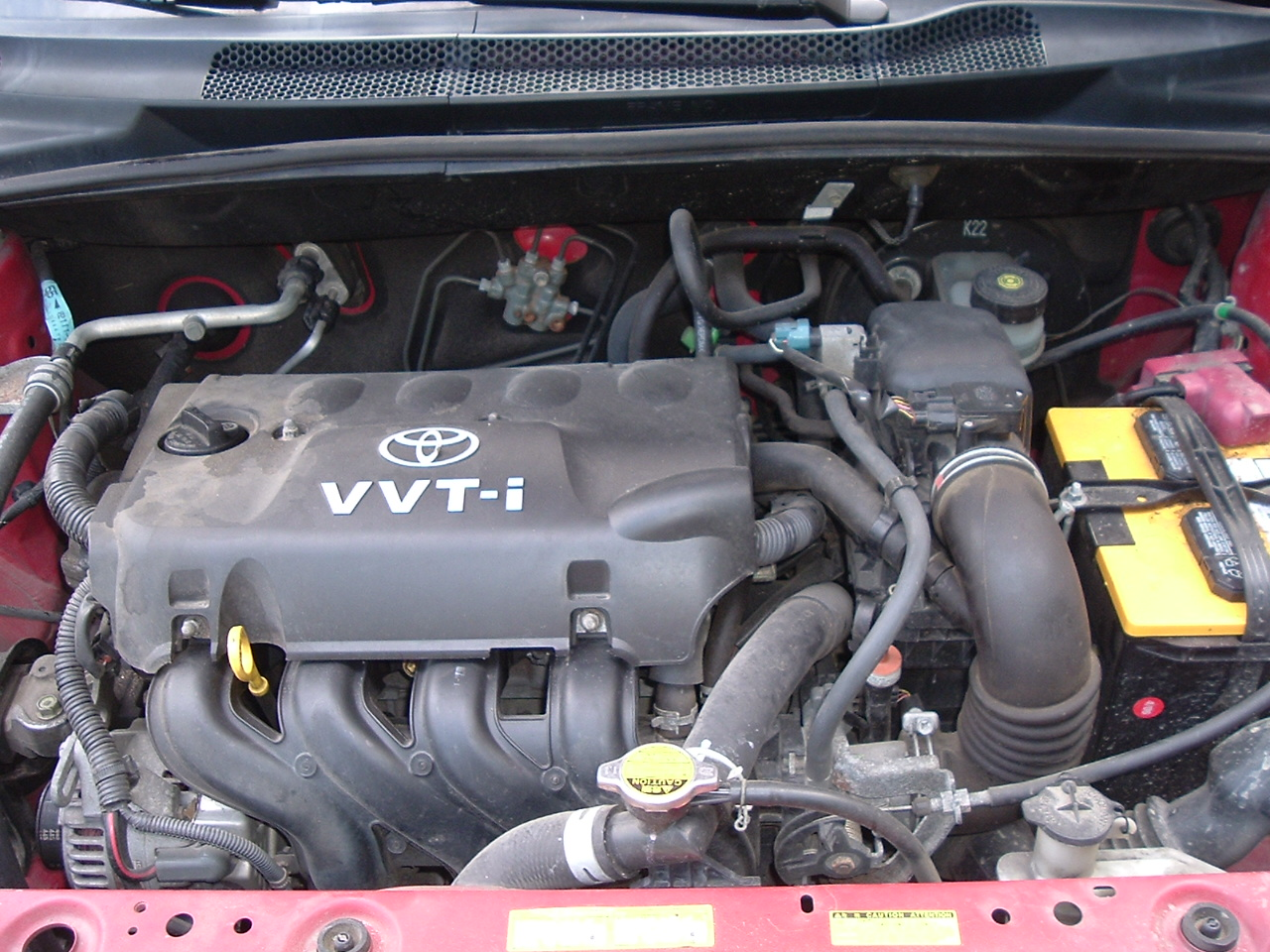 TOYOTA ECHO engine