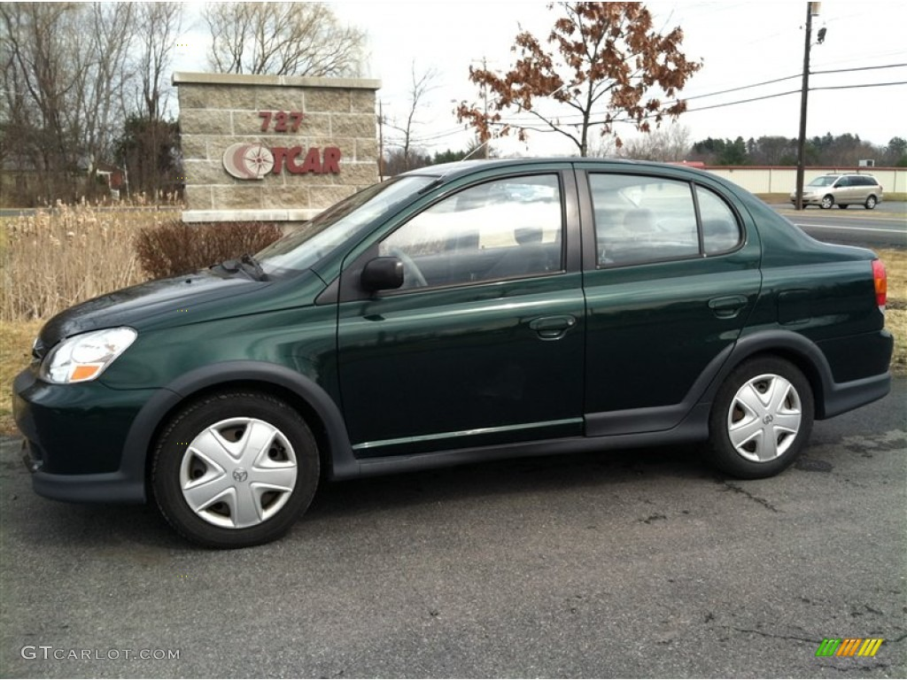 TOYOTA ECHO green