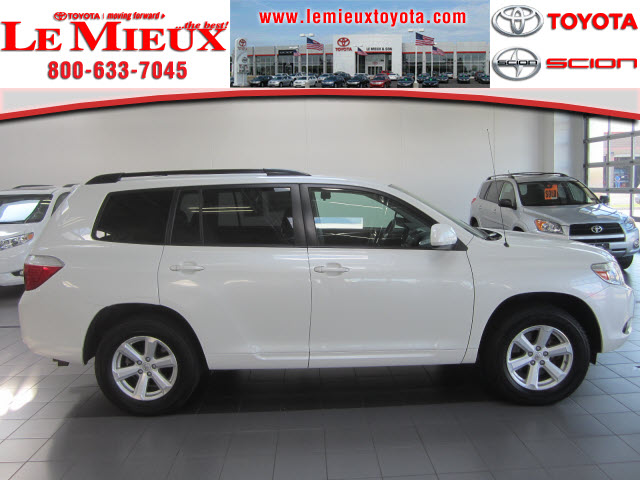 TOYOTA HIGHLANDER 3.5 V6 green