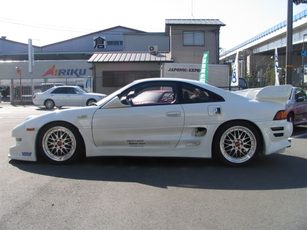 TOYOTA MR2 silver