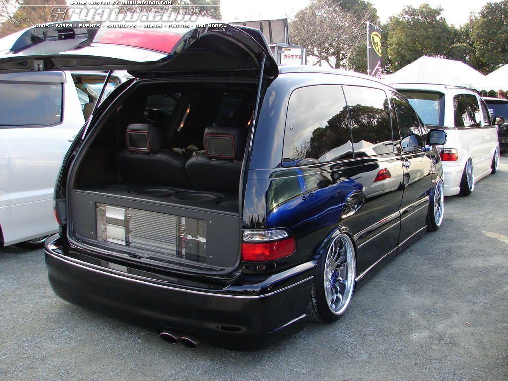Toyota previa review and photos