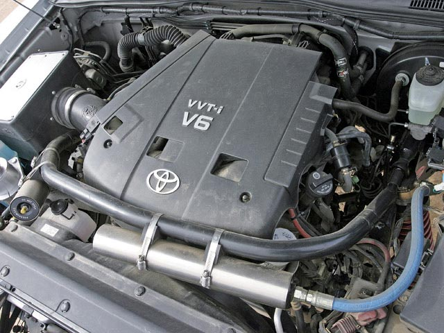 TOYOTA TACOMA 4X4 engine