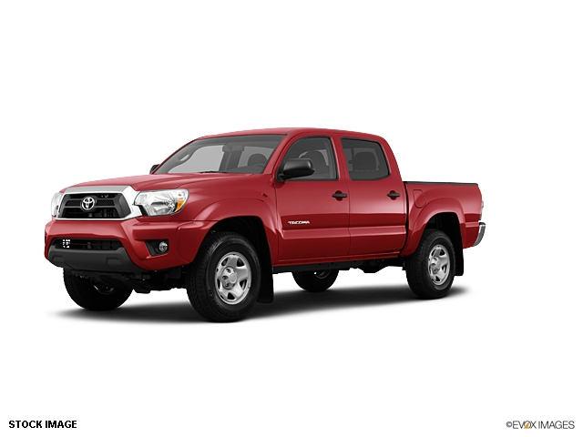 TOYOTA TACOMA 4X4 red