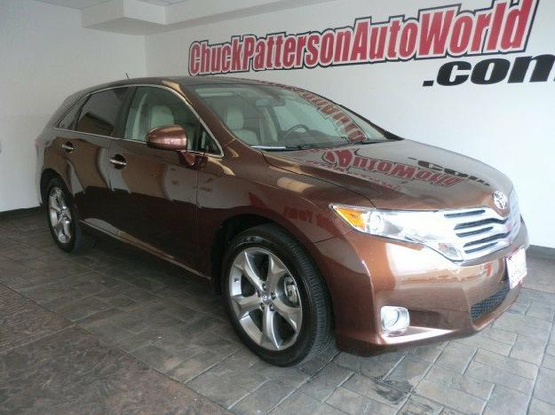 TOYOTA VENZA brown
