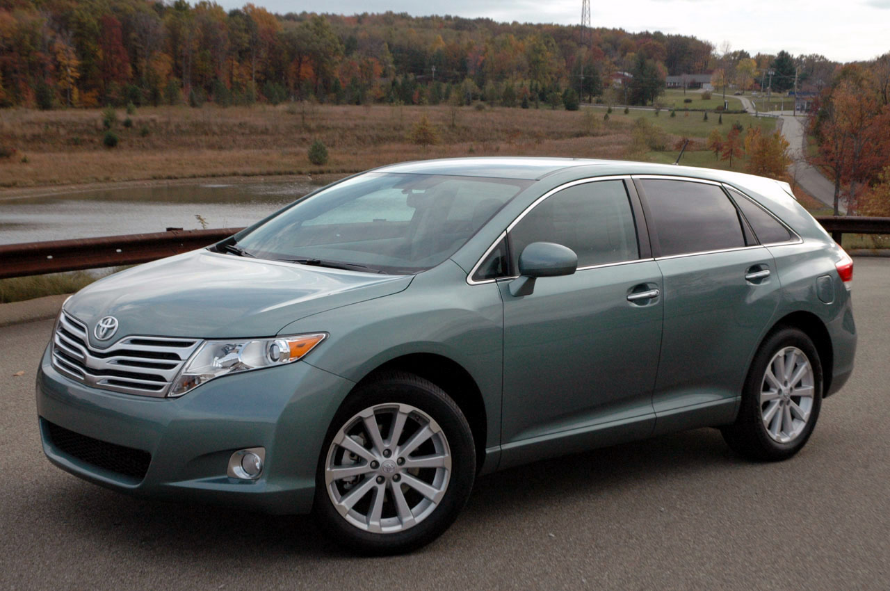 toyota venza review and photos. Black Bedroom Furniture Sets. Home Design Ideas