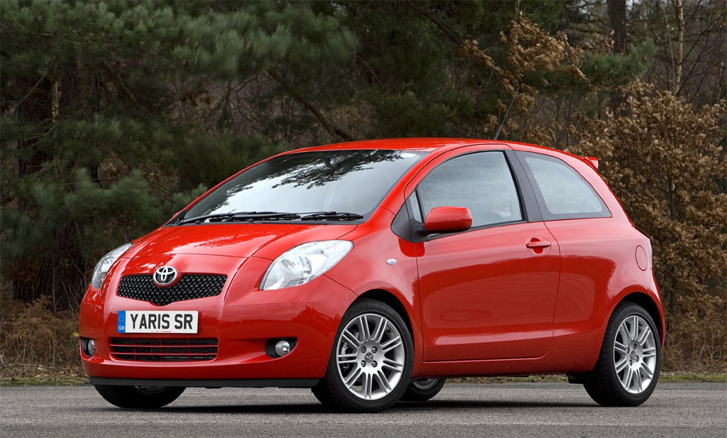 TOYOTA YARIS brown