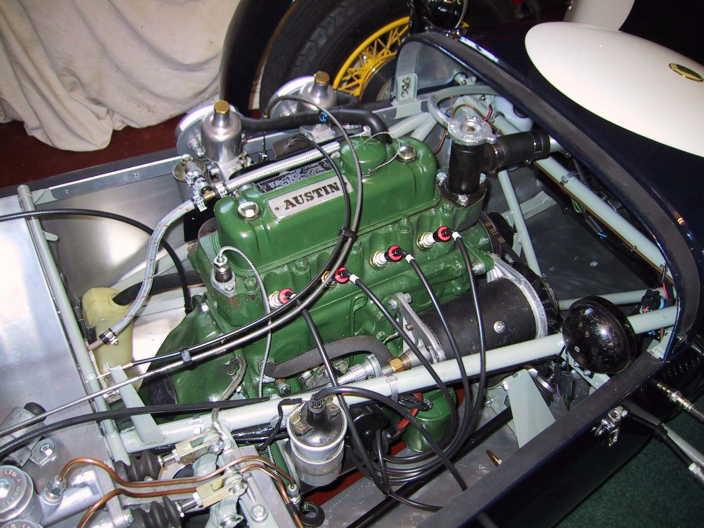 TRIUMPH HERALD engine