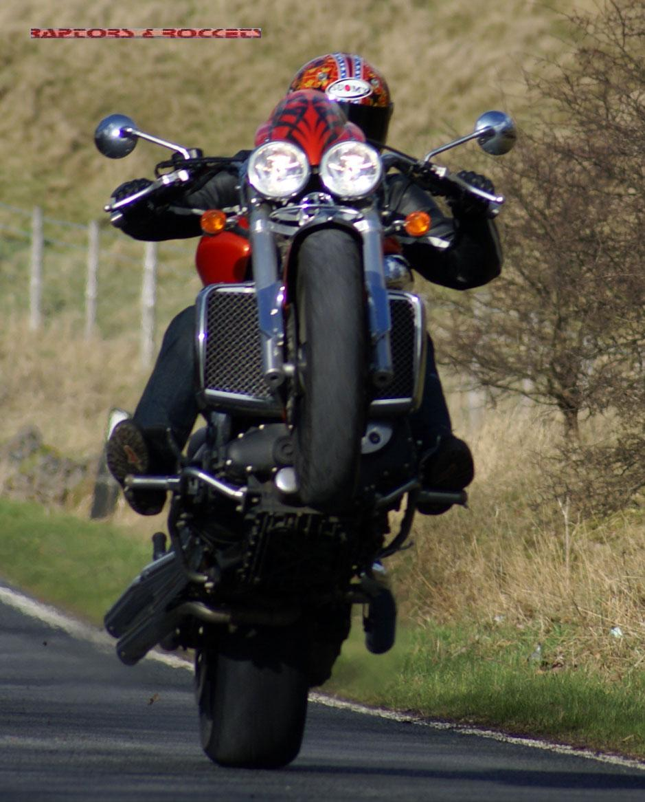 TRIUMPH ROCKET III red