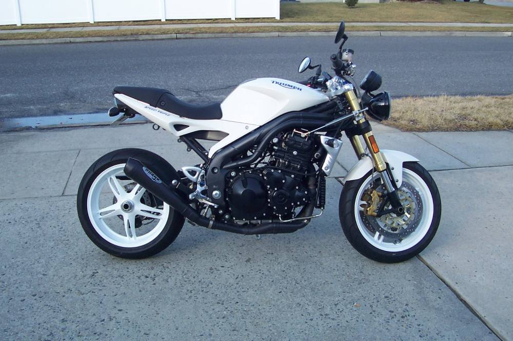 TRIUMPH SPEED TRIPLE white