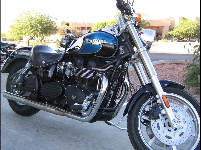 TRIUMPH SPEEDMASTER 900 blue