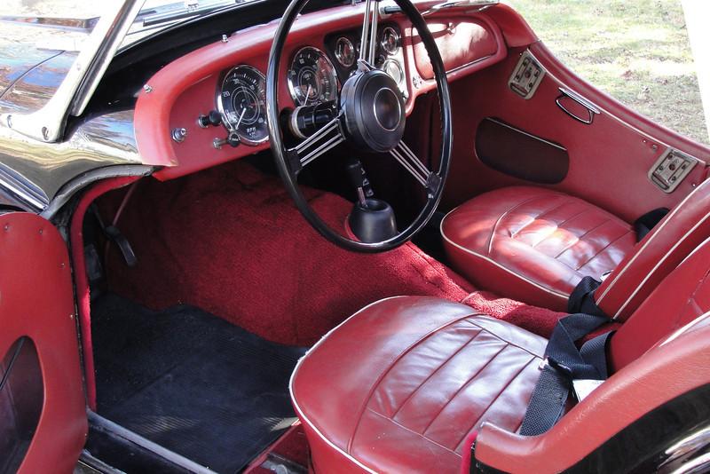 TRIUMPH TR3 interior