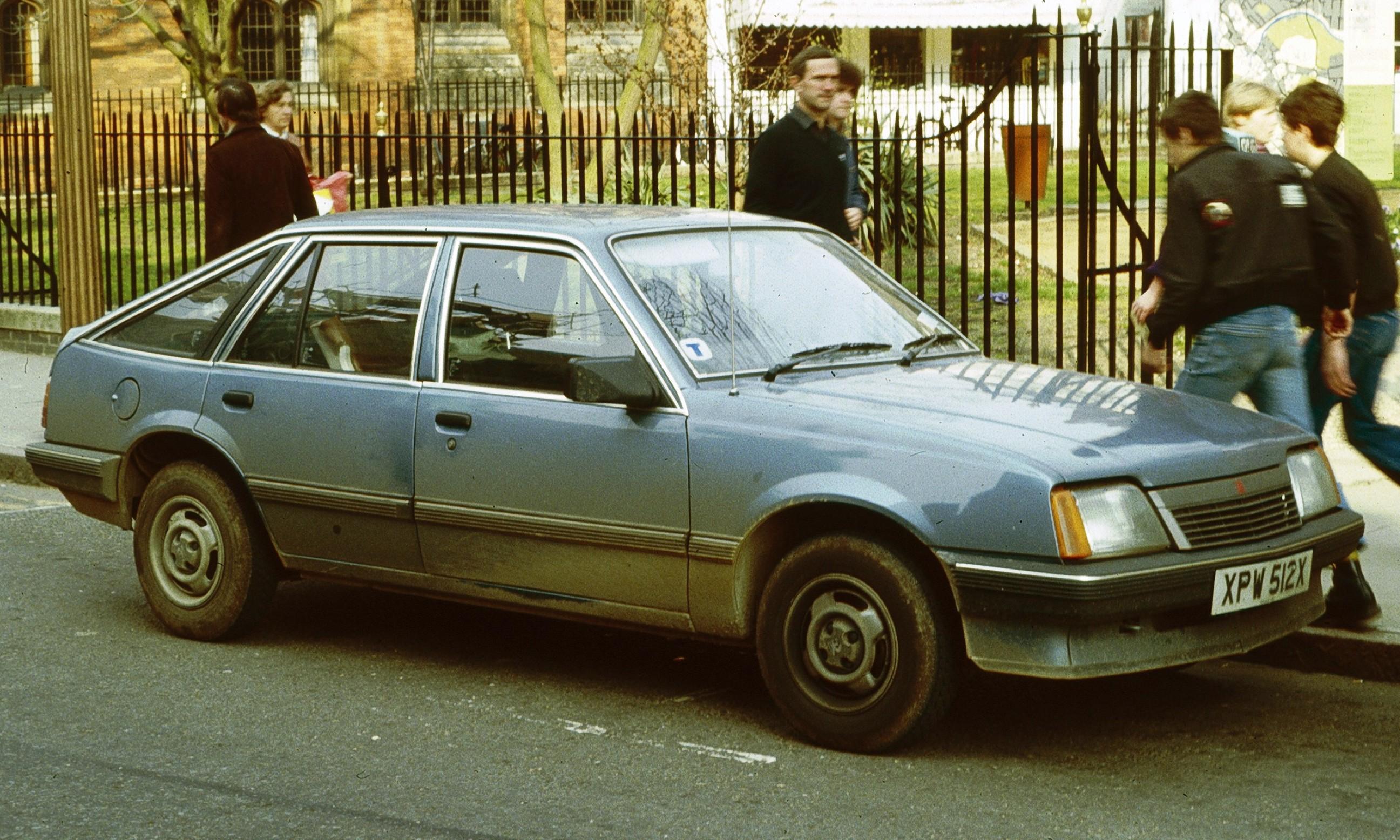 vauxhall wallpaper (Vauxhall Cavalier)