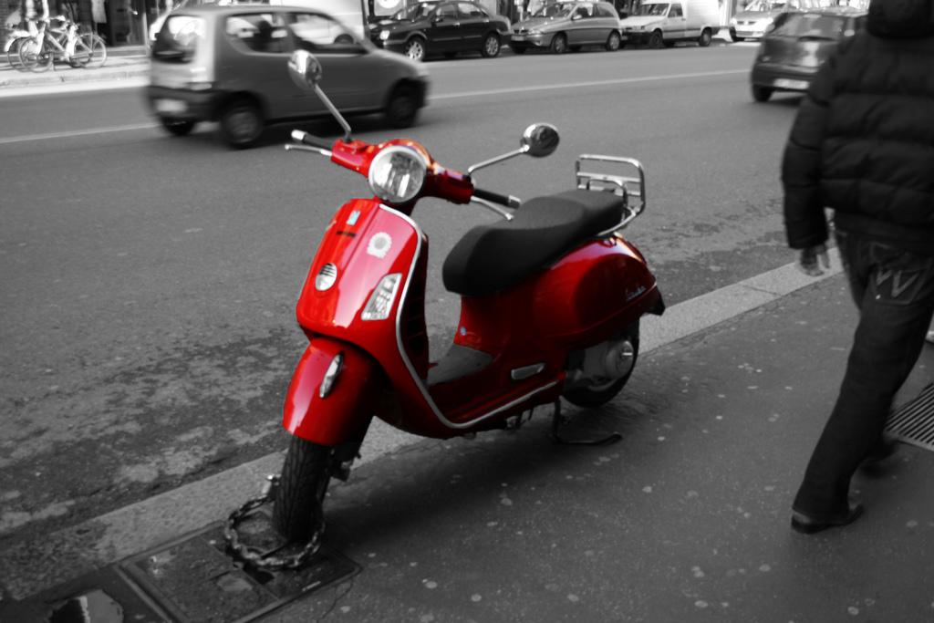 VESPA LX red