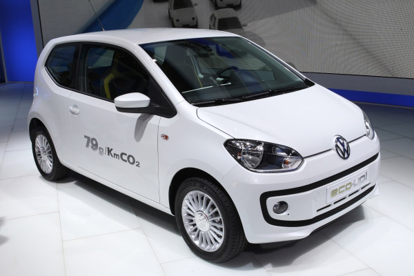 VOLKSWAGEN ECO-UP green