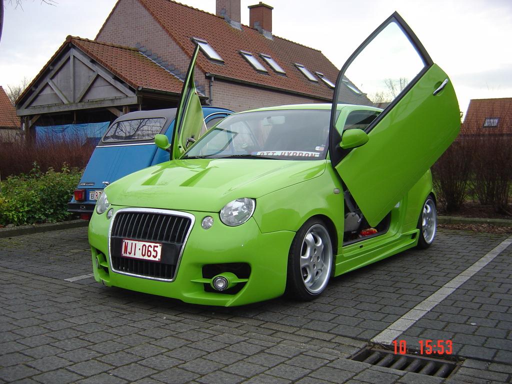 VOLKSWAGEN LUPO green