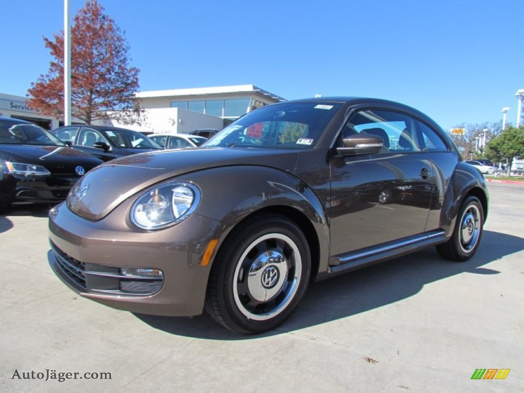 VOLKSWAGEN NEW BEETLE 2.5 brown