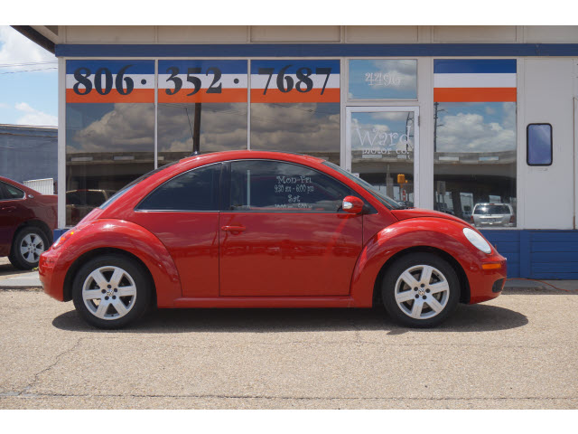 VOLKSWAGEN NEW BEETLE 2.5 red