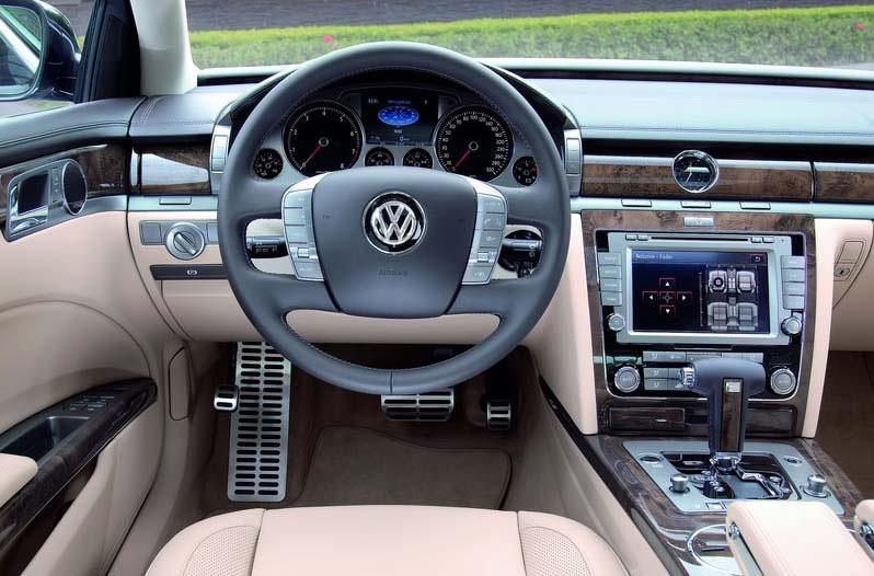 VOLKSWAGEN PHAETON 3.0 V6 TDI 4MOTION interior