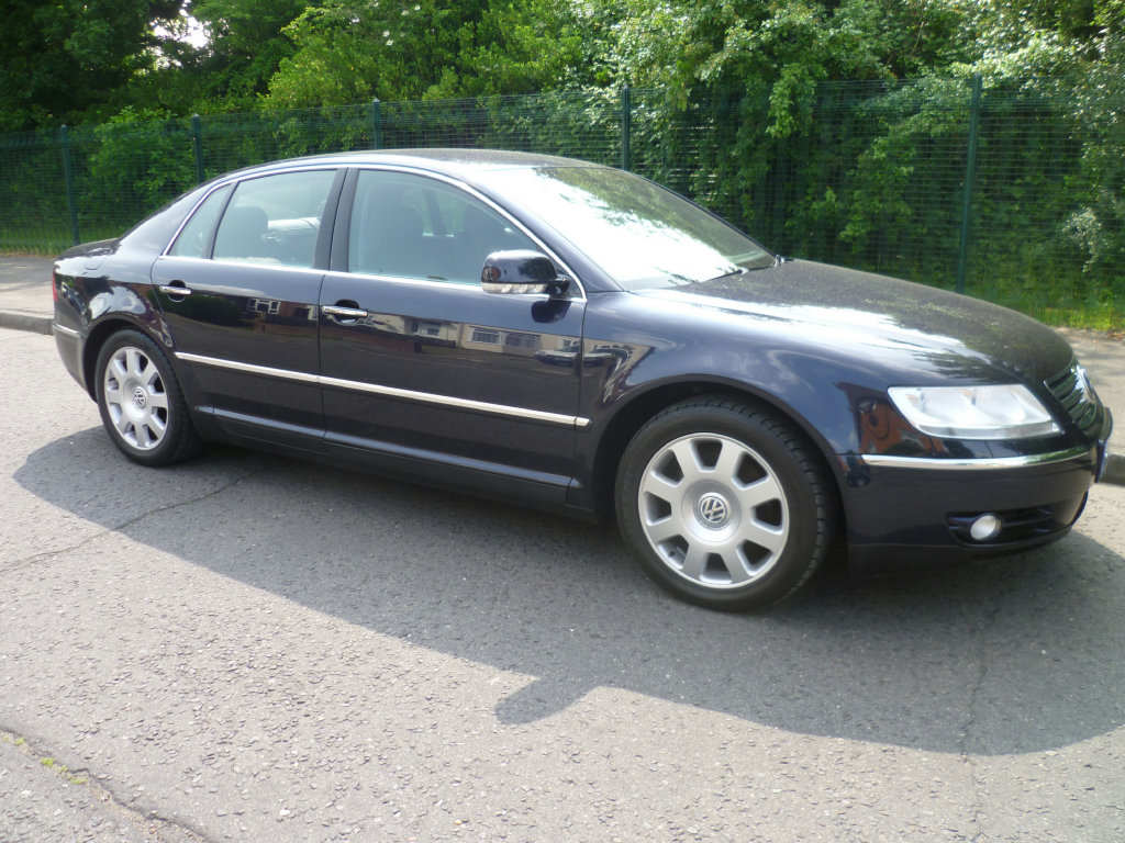 VOLKSWAGEN PHAETON 3.0 V6 TDI 4MOTION red