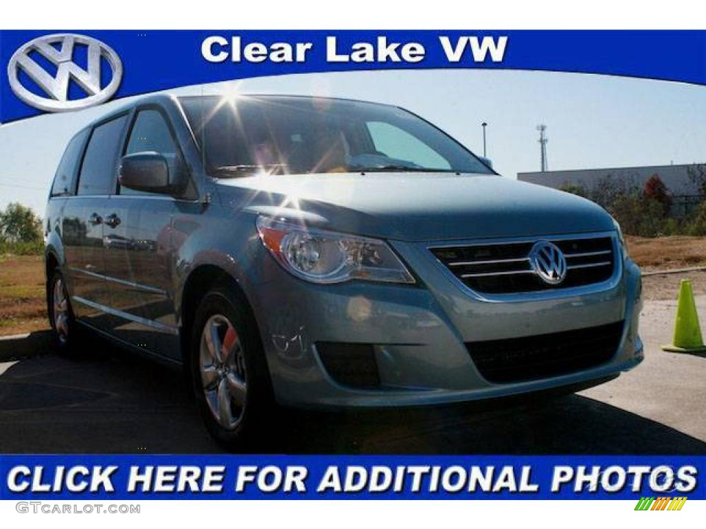 VOLKSWAGEN ROUTAN blue
