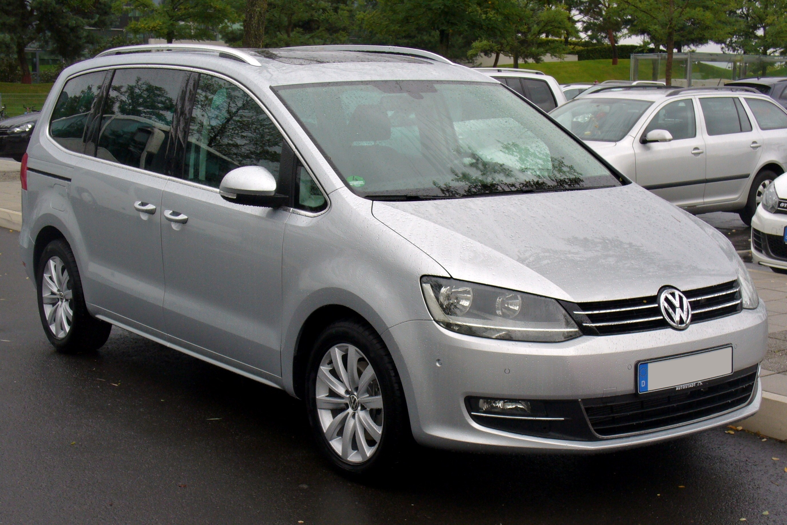 VOLKSWAGEN SHARAN 2.0 TDI brown