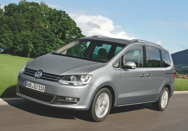 VOLKSWAGEN SHARAN green