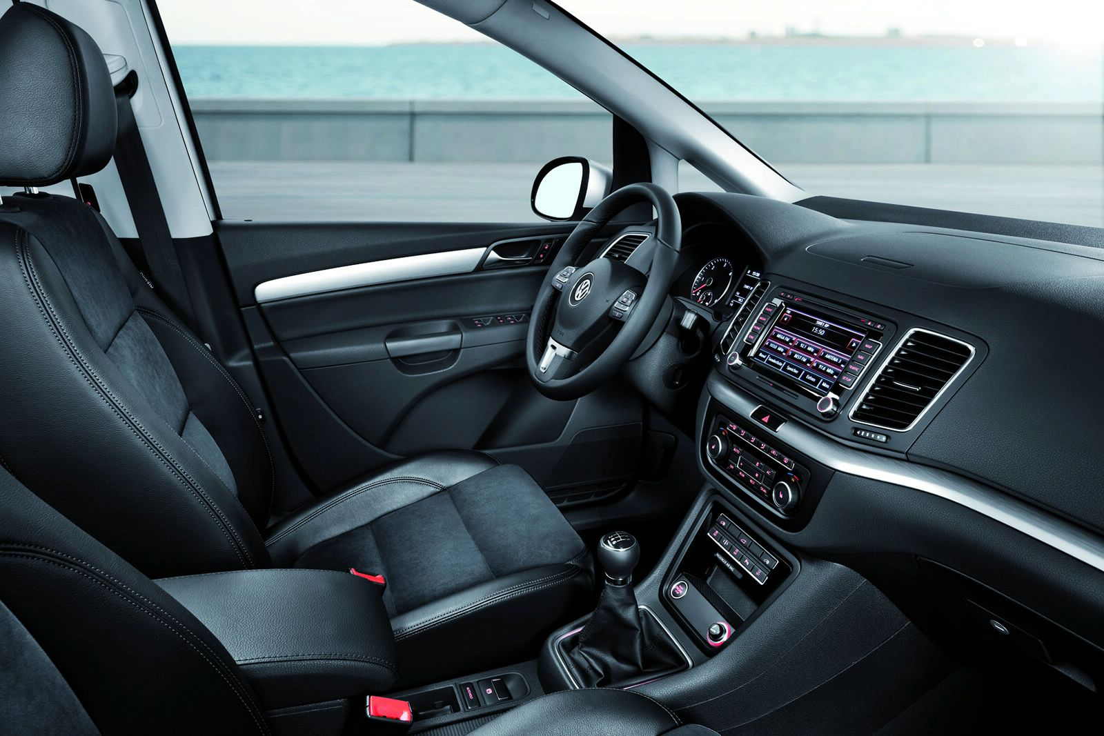 VOLKSWAGEN SHARAN interior