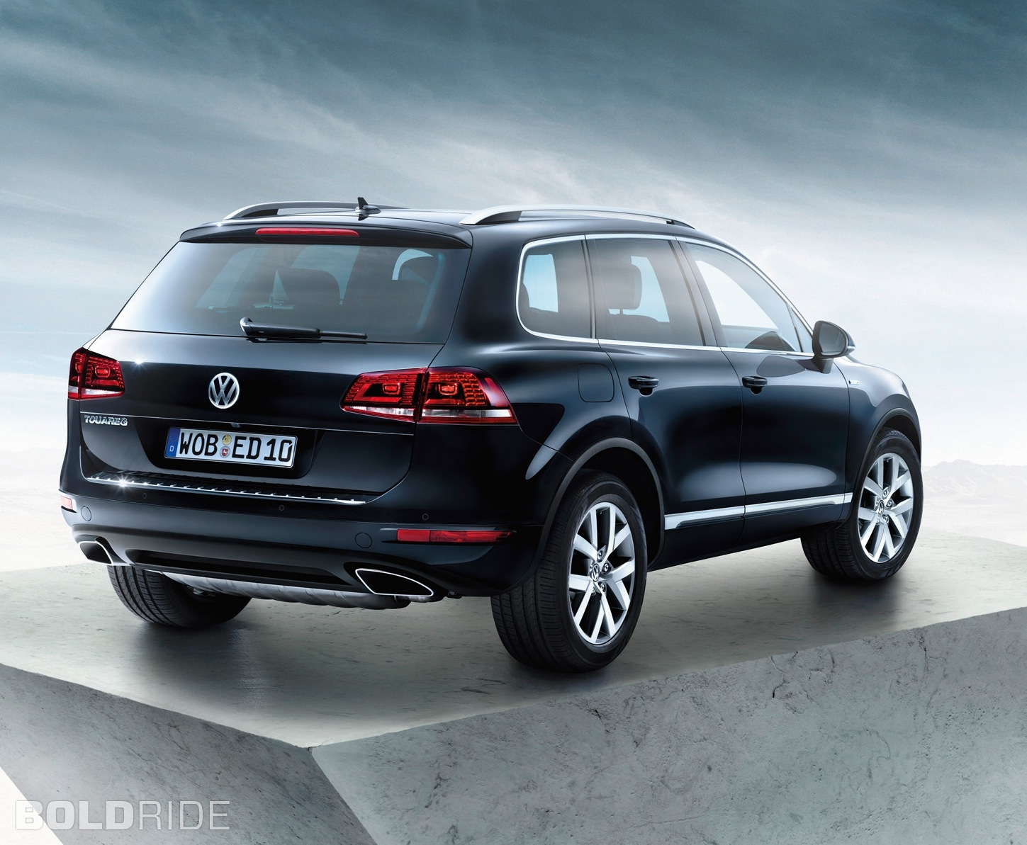volkswagen touareg review and photos. Black Bedroom Furniture Sets. Home Design Ideas
