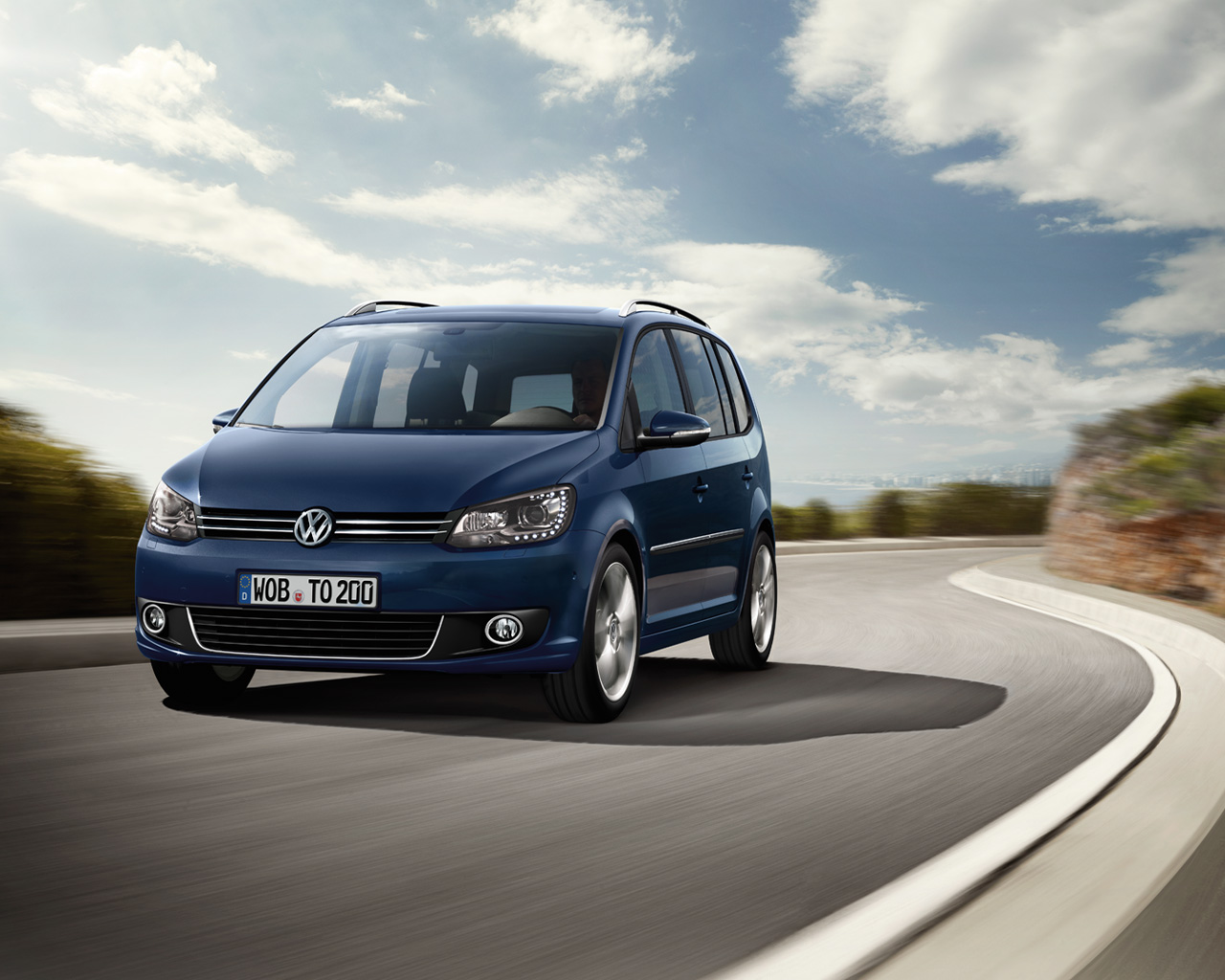 volkswagen wallpaper (Volkswagen Touran)