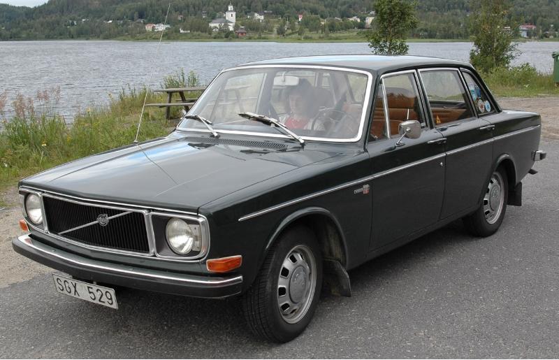 VOLVO 164 brown