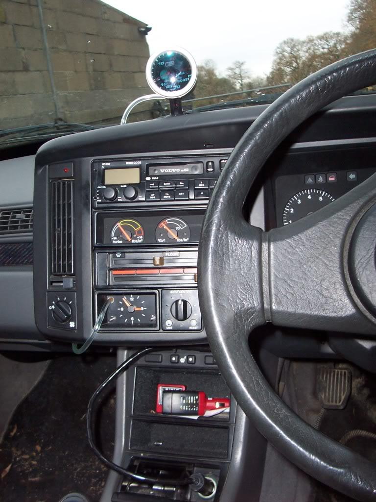 VOLVO 440 interior