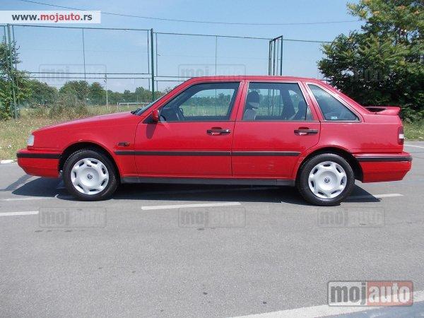 VOLVO 440 red