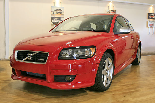 VOLVO C30 2.0D red