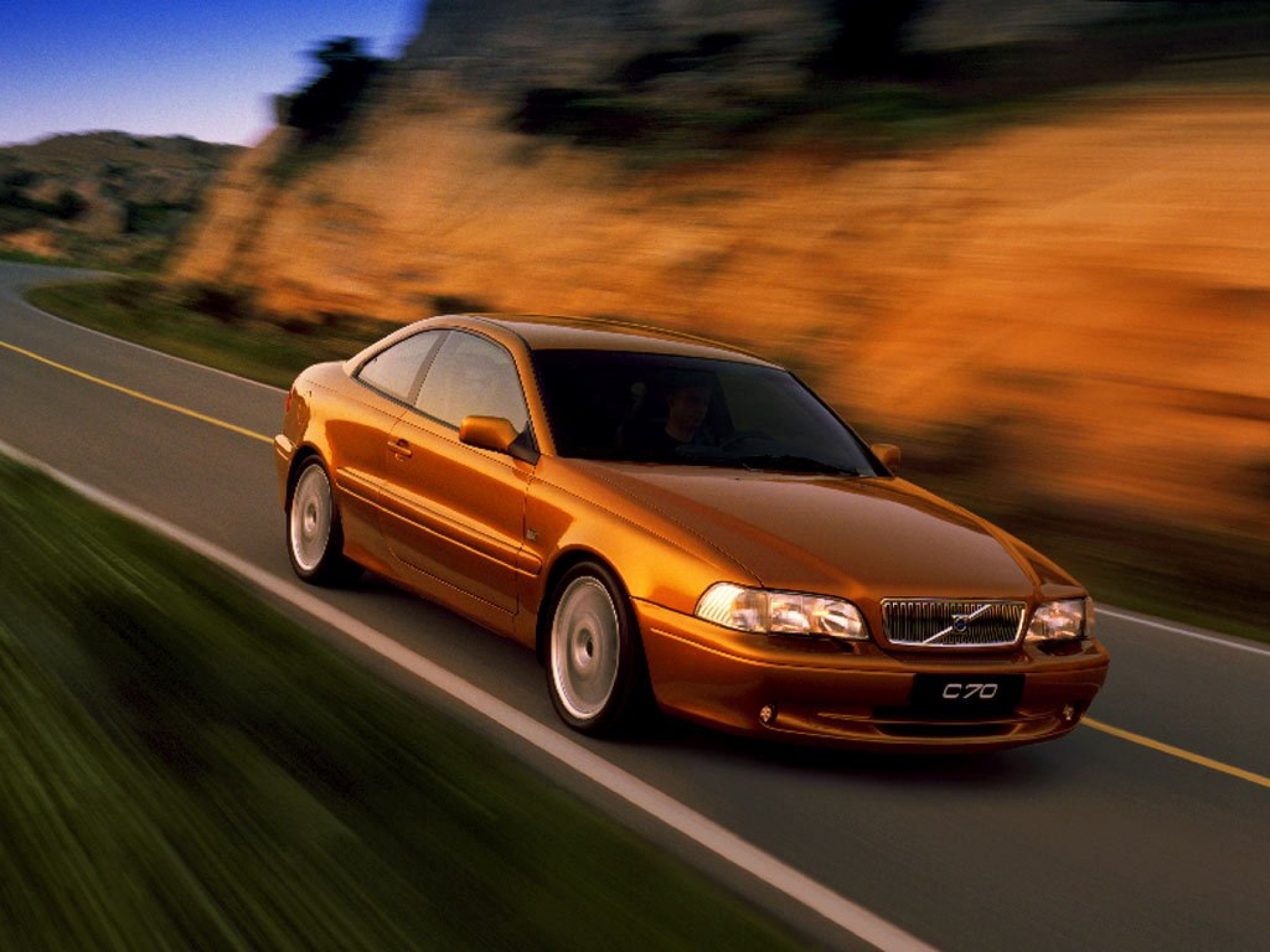 VOLVO S 70 brown