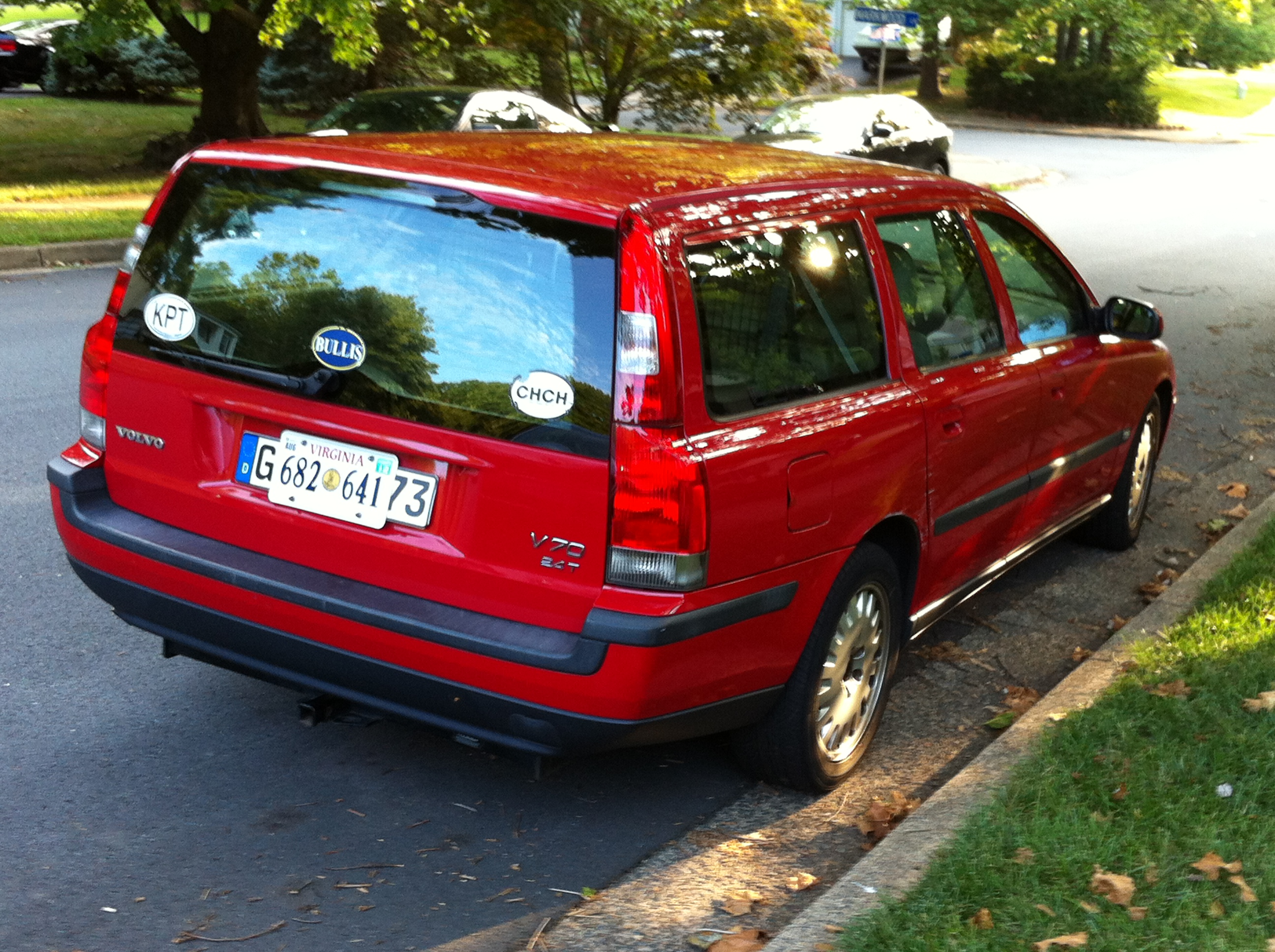 VOLVO S 70 red