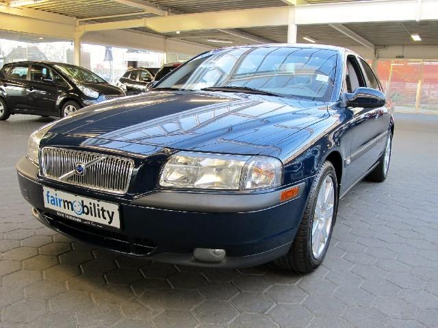 VOLVO S-80 blue