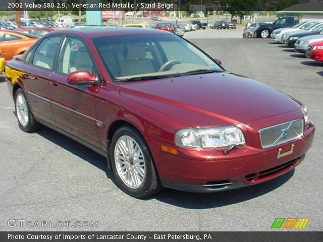 VOLVO S-80 red