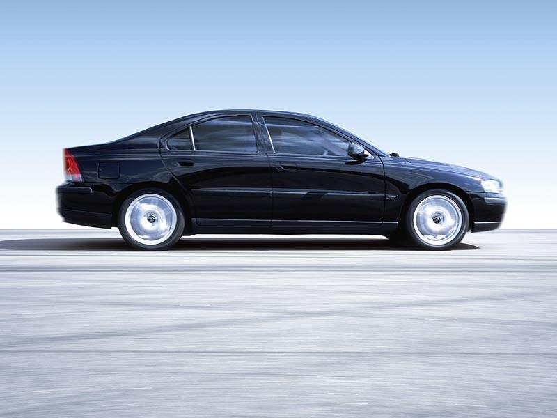 VOLVO S60 black