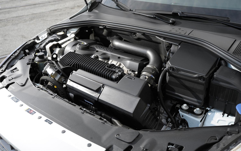 VOLVO S60 engine