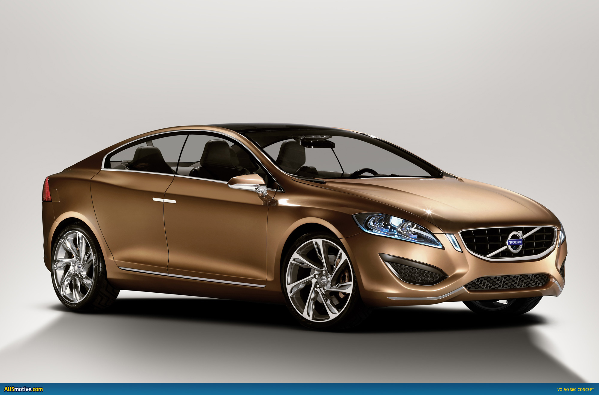 VOLVO S60 - Review and photos