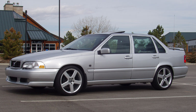 VOLVO S70 - Review and photos