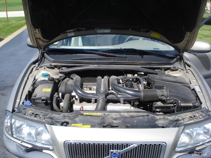 VOLVO S80 engine
