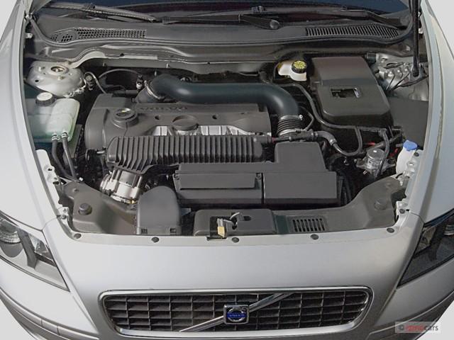 VOLVO V 50 engine