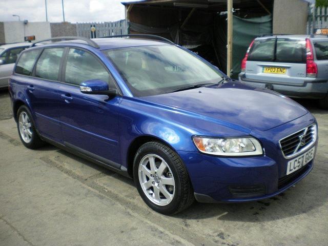 VOLVO V50 blue
